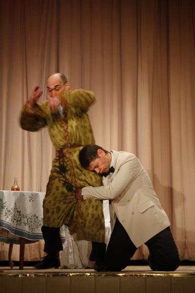 Народный драматический театр. Путешествие в смешное